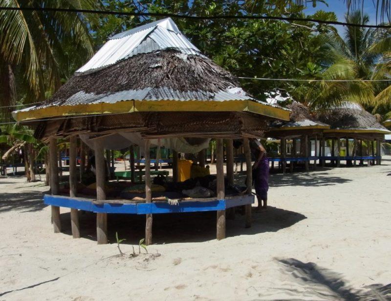 サモアのビーチファレ